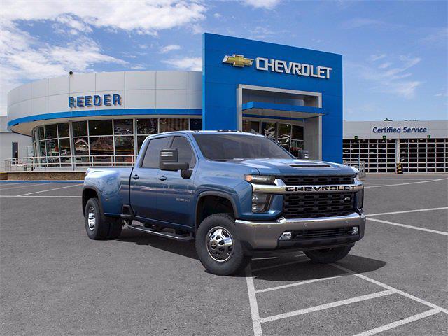2021 Chevrolet Silverado 3500 Crew Cab 4x4, Pickup #71781 - photo 1