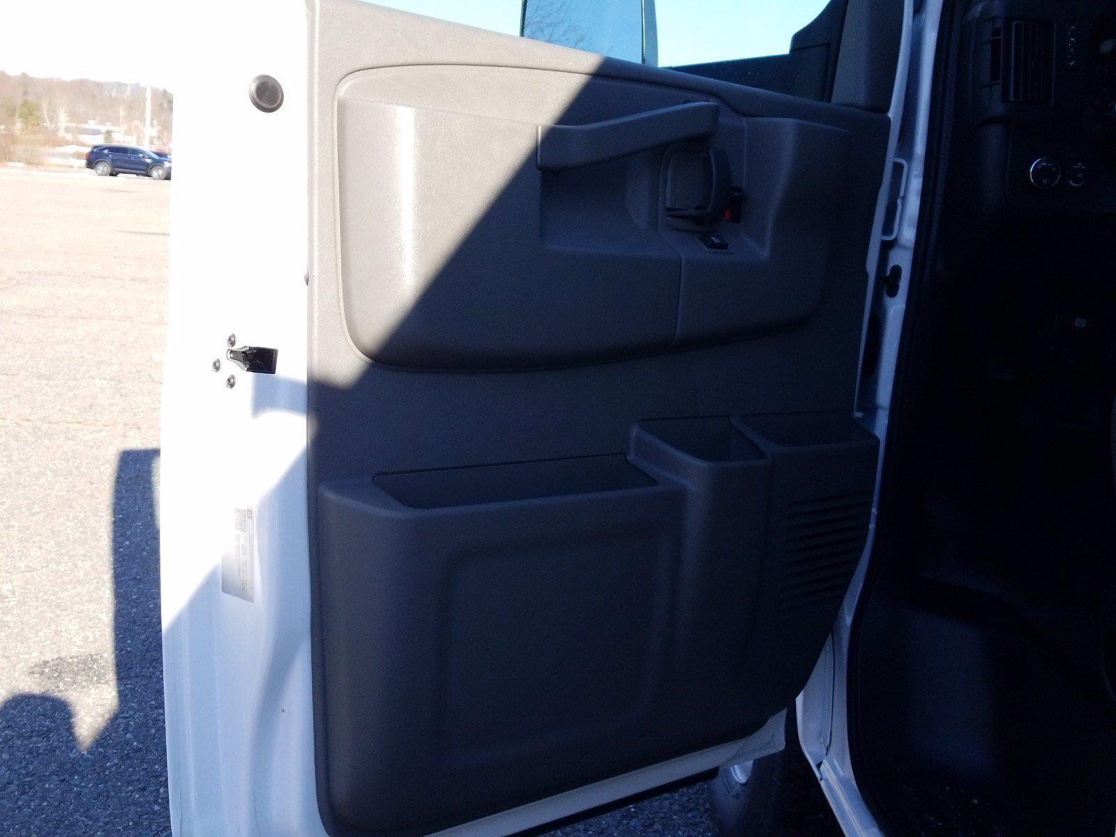 2020 GMC Savana 3500 4x2, Reading Service Utility Van #GM658245 - photo 13