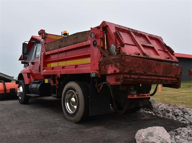 2003 International WorkStar 7400 4x2, Dump Body #CG00217B - photo 1