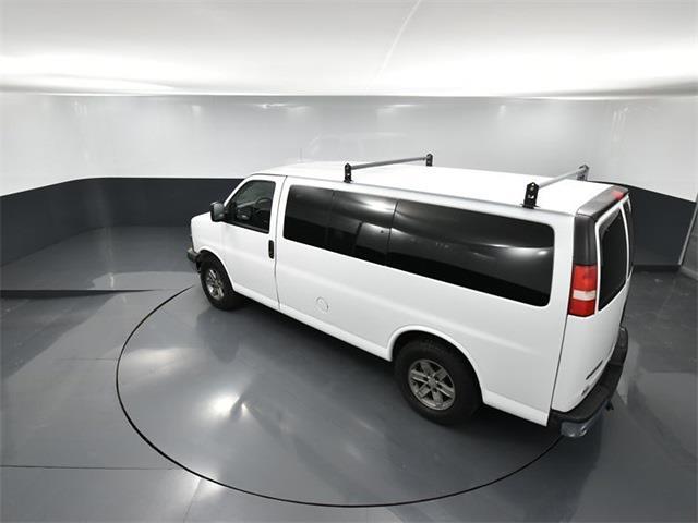 2013 Chevrolet Express 1500 4x4, Passenger Wagon #RK04720A - photo 1