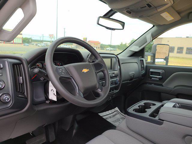 2020 Chevrolet Silverado 4500 Regular Cab DRW 4x4, Cab Chassis #204523 - photo 4