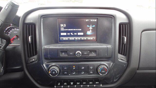 2019 Chevrolet Silverado 5500 Regular Cab DRW 4x4, Reading Platform Body #4772 - photo 15