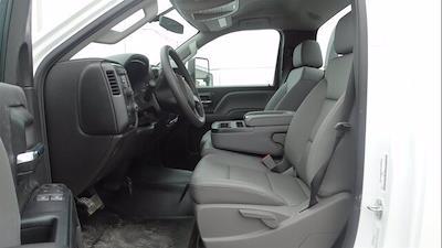 2019 Chevrolet Silverado 5500 Regular Cab DRW 4x4, Reading Platform Body #4772 - photo 10