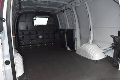 2020 GMC Savana 2500 4x2, Empty Cargo Van #T201622 - photo 2