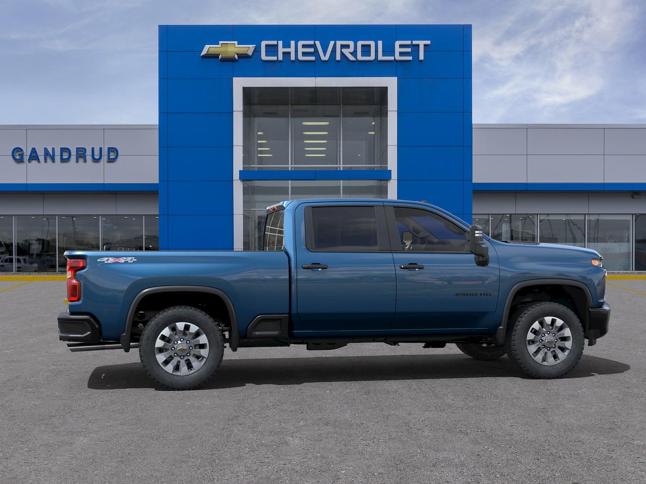 2021 Chevrolet Silverado 2500 Crew Cab 4x4, Pickup #M1388 - photo 5