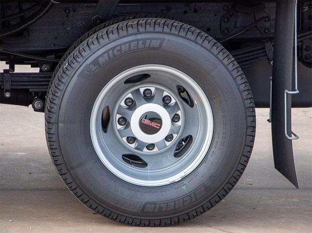 2021 GMC Sierra 3500 Crew Cab 4x4, Dealers Truck Equipment Platform Body #G222160 - photo 8