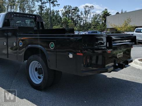 2019 Chevrolet Silverado Medium Duty Regular Cab DRW 4x2, Knapheide PGND Gooseneck Platform Body #MI6323 - photo 1