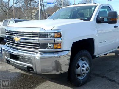 2018 Silverado 3500 Regular Cab DRW 4x4, Knapheide PGNB Gooseneck Platform Body #C180947 - photo 1