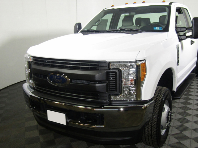 2017 F-350 Super Cab DRW 4x4 Cab Chassis #HEF14446 - photo 1