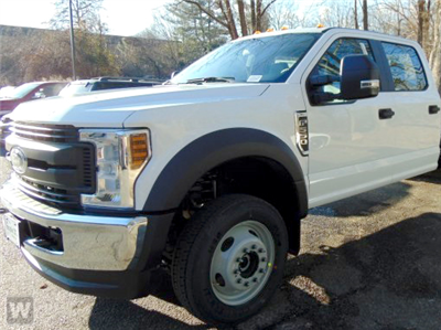 2018 F-550 Crew Cab DRW 4x4, Cab Chassis #JF210 - photo 1