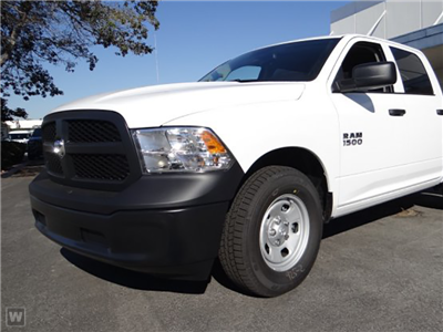 2018 Ram 1500 Crew Cab 4x4, Pickup #JS246546 - photo 1