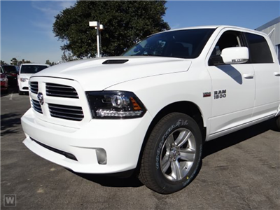 2018 Ram 1500 Crew Cab 4x4, Pickup #J287927 - photo 1