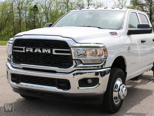 2019 Ram 3500 Crew Cab DRW 4x4, Harbor Contractor Body #KG534194 - photo 1